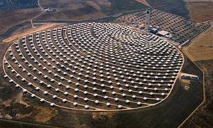 Vista aérea de la planta solar de Abengoa. (Foto: AP)