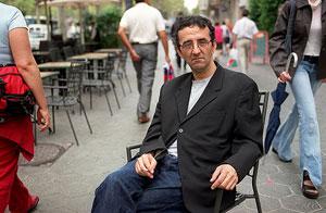 Roberto Bolaño en la presentación de su novela 'Amberes', en Barcelona. (Foto: Antonio Moreno)