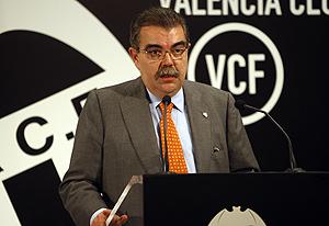 Juan Soler, en su comparecencia en el palco vip de Mestalla (Foto: BENITO PAJARES).