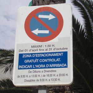 Imagen del cartel de la ORA sólo en catalán en Calvià. (Foto: Pedro Verd)