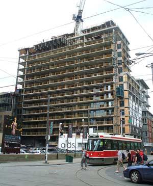 Edificio en construcción en Toronto. (Foto: B. C)