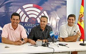 Rubinat, Otero y Castresana, durante la rueda de prensa. (Foto: LAFOTOTEKA)