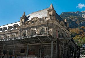 Fachada de la Estación Internacional de Canfranc, en Huesca. (Foto: El Mundo)