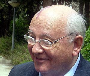 Mijail Gorbachov.