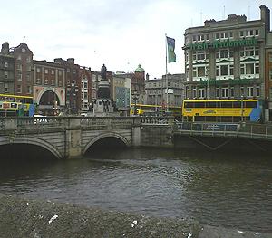 Edificios de pisos ubicados en el centro de Dublín. (Foto: D. Martínez Moll)