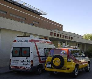 Entrada del servicio de urgencias del Hospital 12 de Octubre. (Foto: Paco Toledo)