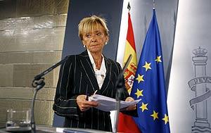La vicepresidenta primera del Gobierno, momentos antes de su comparecencia. (Foto: EFE)