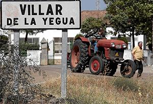 Entrada a la localidad salmantina de Villar de la Yegua. (Foto: E. CARRASCAL)