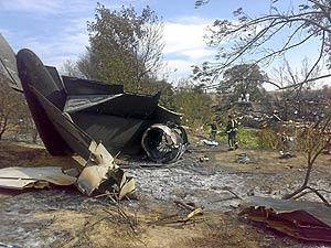 Restos del avión MD-82 de Spanair estrellado en la T4 de Barajas. (Foto: EL MUNDO | ANTENA 3)