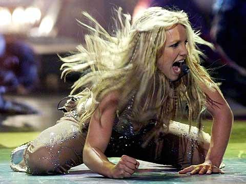 Britney Spears, durante una actuación en los Premios MTV, en 2000. (Foto: REUTERS)