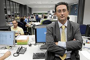 Rafael Navarro, en la redacción de EL MUNDO en Valencia tras hacerse oficial su nombramiento. (Foto: Benito Pajares)