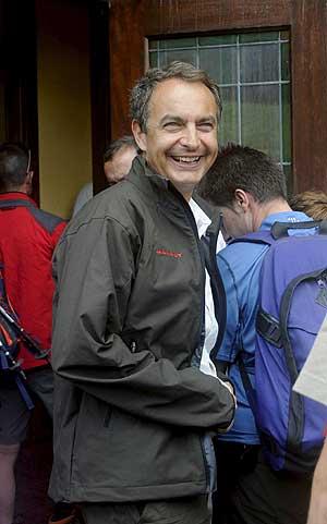 Zapatero, en León, donde participó en el programa 'Desafío Extremo'. (Foto: EFE)