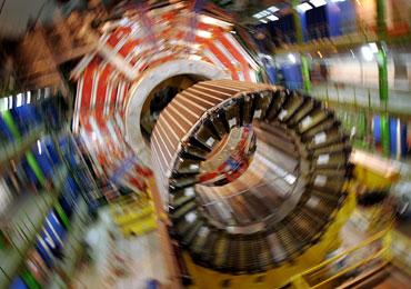 Uno de los detectores del LHC en movimiento. (Foto: EFE)