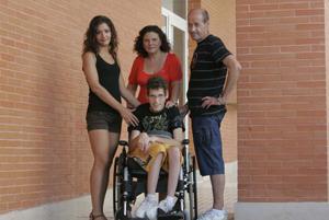 Daniel junto a su familia (Foto: familia de Daniel).