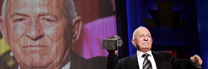 Pedro Masó recibe el Goya honorífico por toda su carrera. (Foto: Ricardo Cases)