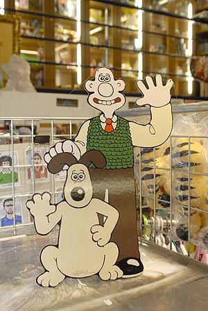 Interior de la tienda 'Futurama' en Guillem de Castro (Foto: XAUME OLLEROS).