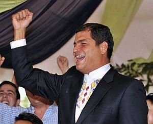 Rafael Correa celebra la victoria del 'sí' en Guayaquil. (Foto: AFP)