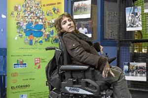 Imagen de una concentración en Bilbao por la discapacidad (Foto: Mitxi).