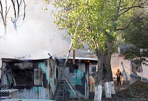 La explosión se produjo junto al cuartel general de las fuerzas de paz rusas. (Foto: AFP)