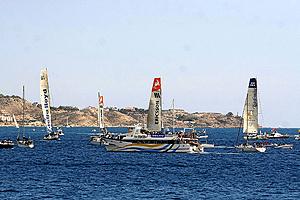 Las embarcaciones participantes en la Vuelta al Mundo de Vela en aguas alicantinas (Foto: ROBERTO PÉREZ).