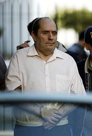 El abogado, durante la rueda de prensa en 2005. (Foto: EFE)