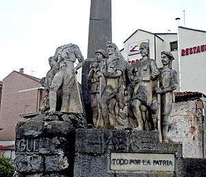 Imagen actual del conjunto escultórico ubicado en la localidad de San Leonardo. (Foto: TOMÁS TORROBA)
