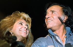 Carlos Menem y su ex esposa Zulema Yoma, en 1989. (Foto: REUTERS)
