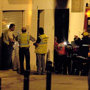 Las autoridades han acordonado rápidamente la zona tras el suceso. (Foto: Sergio G. Cañizares)