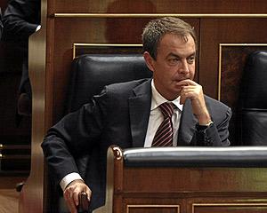El presidente del Gobierno, José Lusi Rodríguez Zapatero, en el Congreso. (Foto: EL MUNDO)