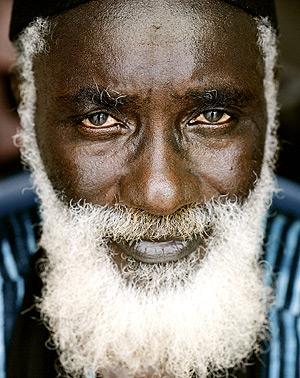 El escritor senegalés. (Foto: EL MUNDO)