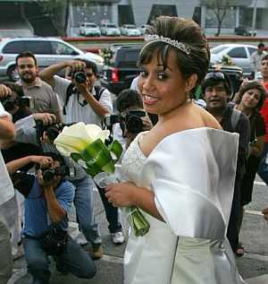 La novia, Claudia Solís. (Foto: EFE)
