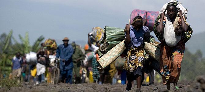 Unas 45.000 personas han huido de un campo de refugiados . (Foto: AFP) Más imágenes de la tragedia