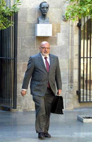 Josep Huguet, en una imagen de archivo en el Palau de la Generalitat. (Foto: Antonio Moreno)