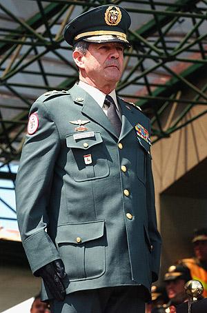 El jefe del Ejército colombiano, general Mario Montoya, en una foto de archivo. (Foto: EFE)