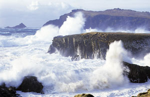Temporal azotando la costa oeste de EEUU. (Foto: IH Cantabria)