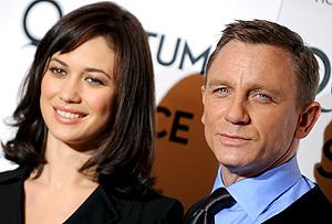 La actriz Olga Kurylenko y Daniel Craig en Roma. (Foto: EFE)
