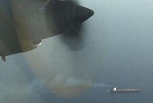 Un avión Español evita el secuestro de un barco en aguas somalíes hace una semana. (Foto: EFE)
