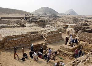 Vista de la zona de excavación, al sur de la capital egipcia. (Foto: EFE)