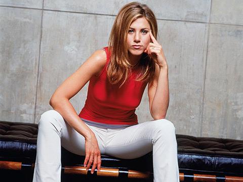 La actriz ha confesado en una revista su enfado con Angelina Jolie. (Foto: EL MUNDO)