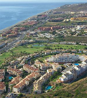 Urbanizaciones de viviendas en la Costa del Sol. (Foto: EL MUNDO)