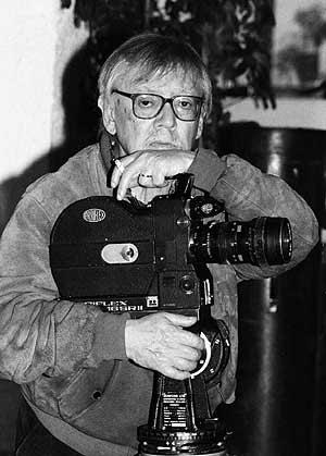 El director madrileño, junto a su cámara. (Foto: Antonio Pastor)