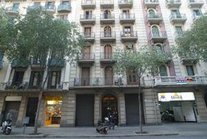 El local, en la calle Entença. (Foto: Quique García)