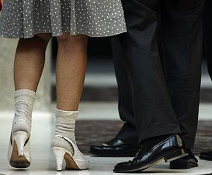 Aguirre no tuvo tiempo para cambiarse de ropa y llegó con zapatos y calcetines. (Foto: REUTERS)