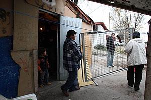 Vecinos inician la mudanza. (Foto: Comunidad de Madrid)