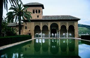 La Alhambra de Granada, uno de los iconos arquitectónicos de la cultura musulmana en España. (Foto: El Mundo)