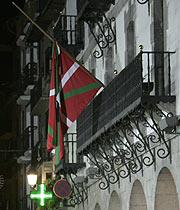 Bandera de la fachada del ayuntamiento. (Foto: Mitxi)