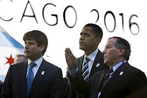 El gobernador de Illinois (i) con Barack Obama (c) y el alcalde de Chicago, Richard M. Daley, (d) en una foto de archivo. (Foto: EFE)
