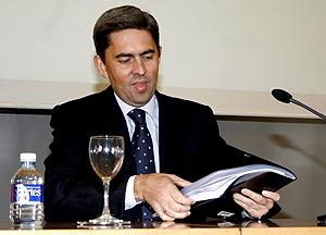 El portavoz del Consell, Vicente Rambla, tras la reunión que ha tenido en Alicante. (Foto: EFE)