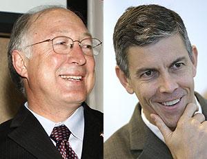 Ken Salazar, futuro secretario de Interior, y Arne Duncan, elegido para Educación. (Foto: AP)
