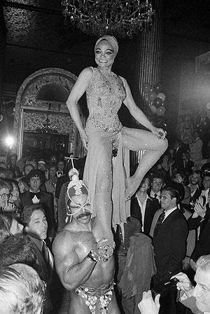 Eartha Kitt, cuando fue la estrella del musical de Broadway 'Timbuktu'. (Foto: AP)